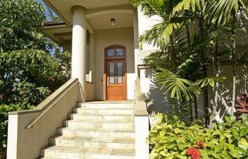 Entering Maui Breeze Retreat at Ho'olei
